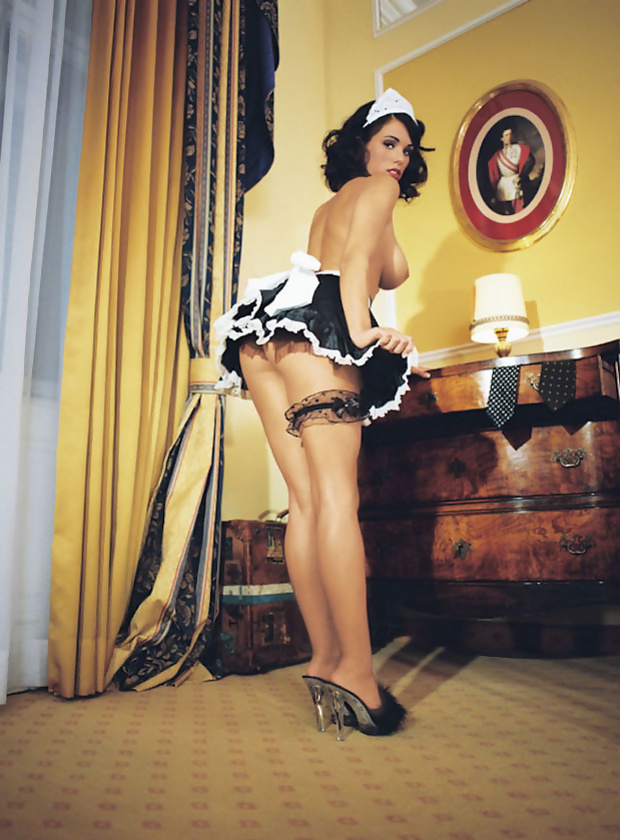 sexy-housemaid-naked