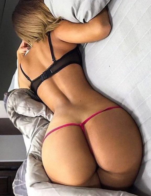 Women ass in thongs