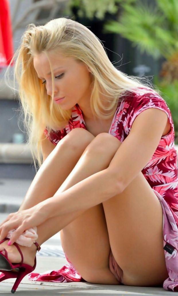 Hot Teens Up Skirt
