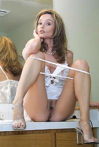 British MILF porn pics