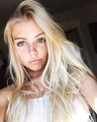 Only blonde gals