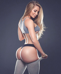 Amanda Lee perfect body babe pics