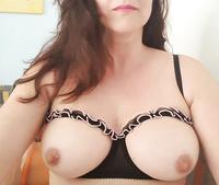 Tits- and Nipple-Selfies