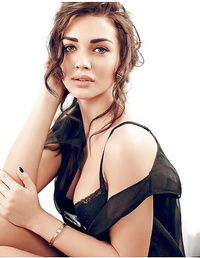 Amy Jackson beauty model