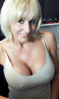 Sexy amateur mature pics
