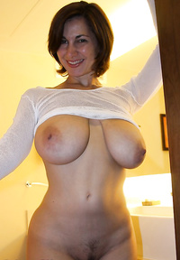 Busty wives pics