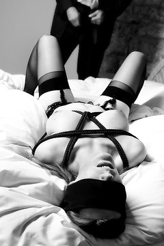 Blindfolded and spanked chicks pics
