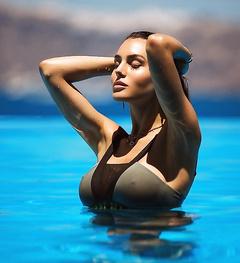Non Nude Silvia Caruso Photos