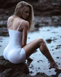 White booty girls pics