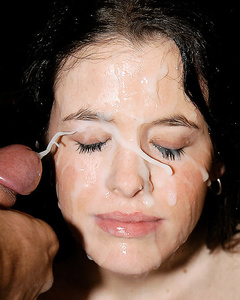 Hotties get facial cum swap