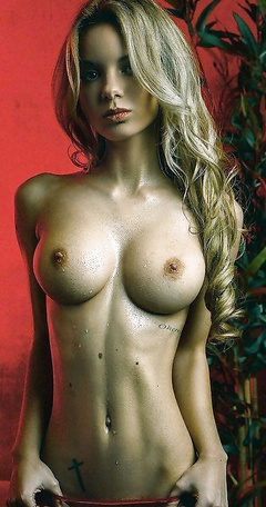 Horny 18+ babes