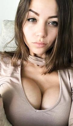 Melanie Pavola big tits