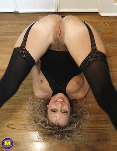 Panty Mom Sharon 2