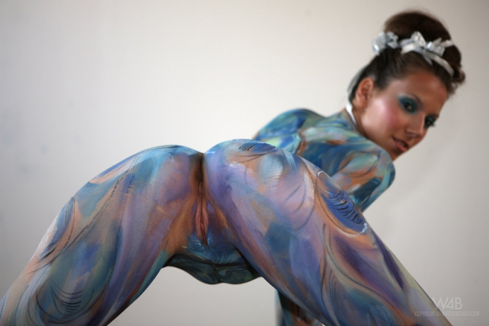 Girls body paint naked